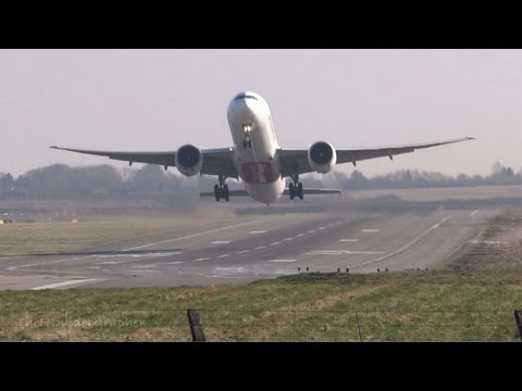 Boeing 777-300 Powerful Takeoff at Birmingham Airport