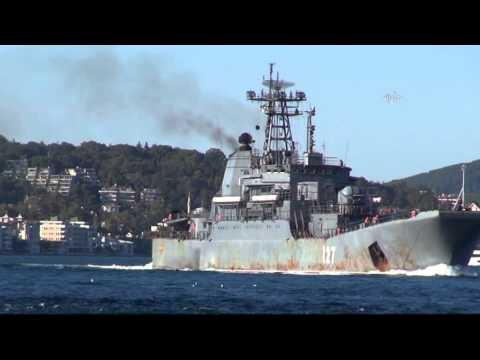 Russische Kriegsschiffe passieren Bosporus - Russian warships crossed the Bosphorus
