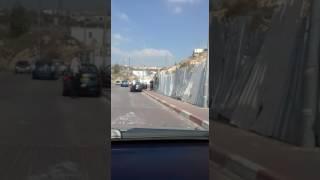 רכב התפרץ למחסום בביתר עילית צילום מהחיפושים