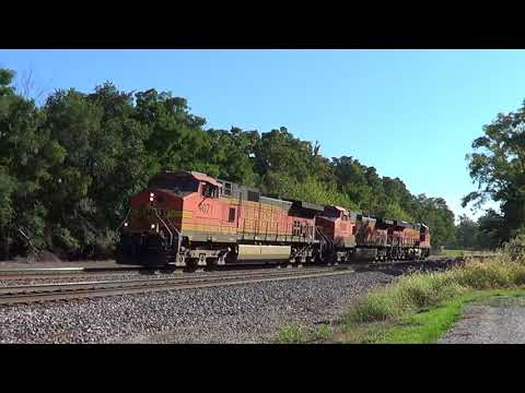 Three-Unit BNSF Light Power Move