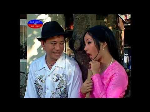 Hai Co Gai Ban Hoa Bao Chung, Thuy Nga
