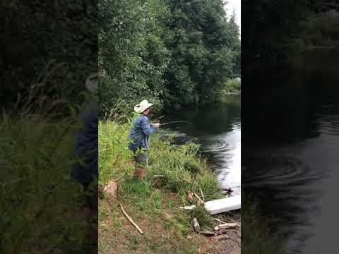 Tiger Muskie on Lake Merwin whith cousins Kokanee rod