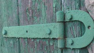 видео Демонтаж деревянных дверей своими руками