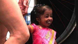 Weltrekord-Gipfel bei Guinness - kleinste Frau und schrillster Mann