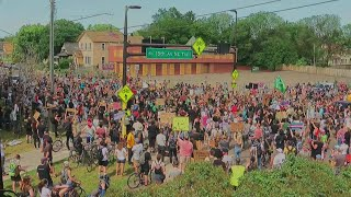 Protesters Rally Outside Minneapolis Police Federation Calling For Lt. Bob Kroll To Step Down