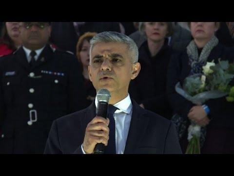 Attacco a Londra, in migliaia a Trafalgar square per le vittime