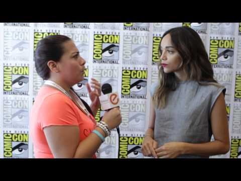 Comic Con 2015 Ashley Madekwe from Salem