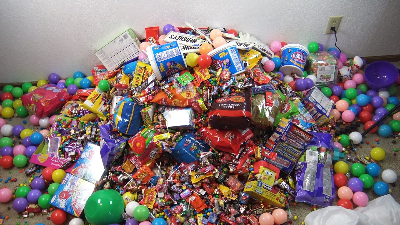 A LOT OF CANDY , A LOT OF FUN - YouTube