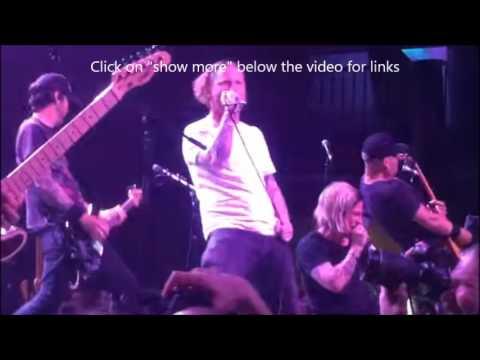 Slipknot vocalist Corey Taylor covers Prince and Judas Priest at 'Strange 80's' concert!