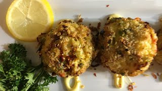 HOW TO MAKE  CRAB CAKES CHUNKY STYLE W/LIVE BLUE CRABS AND SNOW CRABS