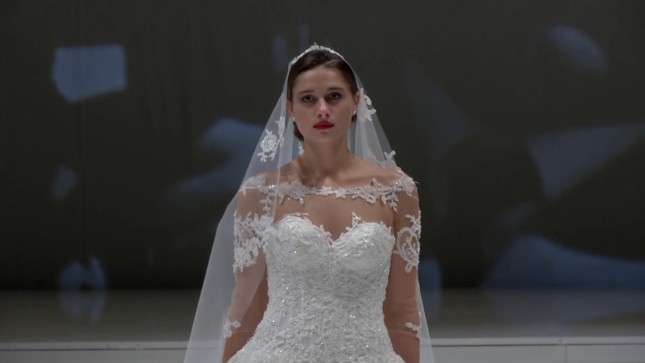 8899309fbc6c Luisa Sposa sfila al Promessi Sposi Bridal Show di Bari 2016 - YouTube