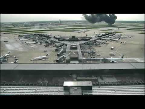 American Airlines 383 Uncontained Engine Failure - CCTV Footage