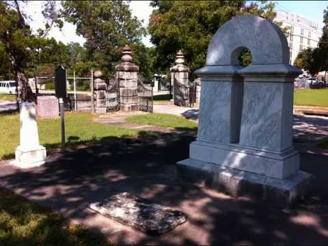 Ghosts & Spirits (SPECIAL EDITION):  My Oakwood Cemetery Ghost Hunt In Austin TX!!!