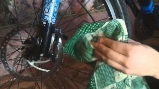 Как заменить колодки для дисковых тормозов на велосипеде(Данные тормоза Tektro IO.Краткий курс по замене колодок дома. Прошу прощение за качество,в дальнейшем будет..., 2014-03-15T20:30:09.000Z)