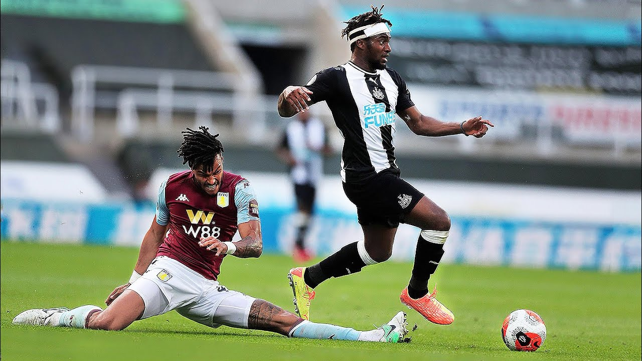 Allan Saint-Maximin Is Just Having Fun..