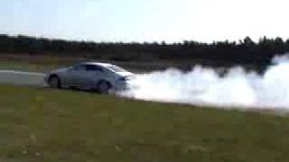 voiture avec moteur incroyable