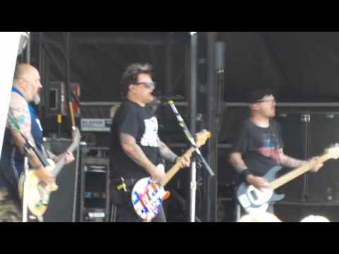Stacy's Mom (Bowling for Soup: Vans Warped Tour)