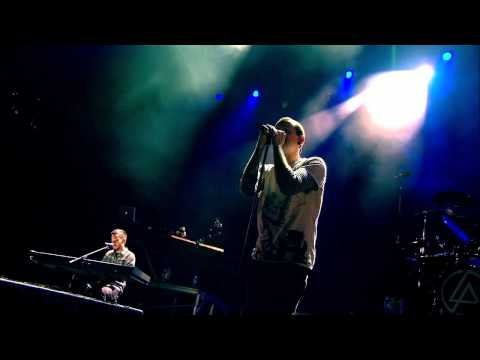 Linkin Park - Pushing me Away ( Road To Revolution ) Live concert 720p.mkv
