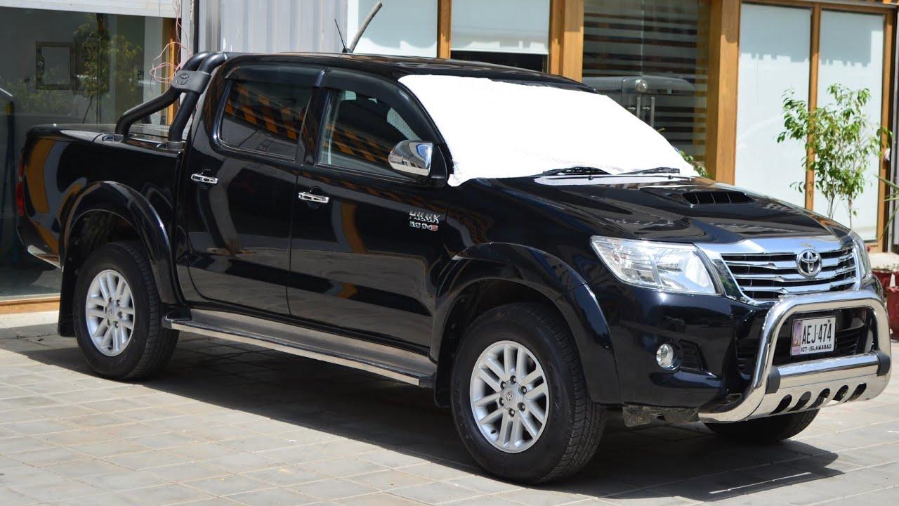 25 Toyota Hilux Invincible 25 25 D 25D Review - 25x25