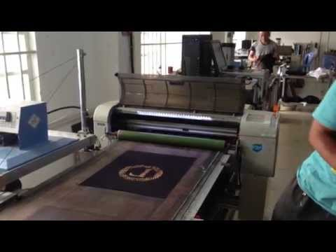 Digital direct printing combine with screen printing for Tshirt