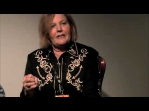 Linda Williams Interview IBMA 2008- Deering Black Diamond
