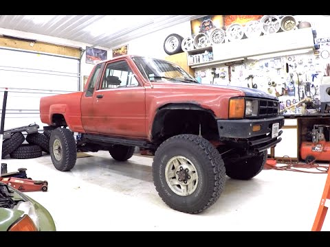 1985 toyota pickup 4x4 before paint youtube. Black Bedroom Furniture Sets. Home Design Ideas