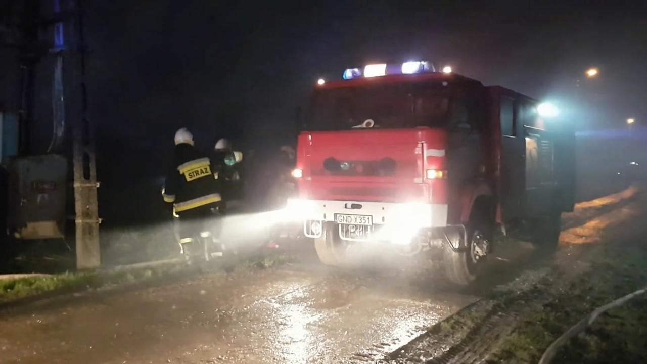 Rakowiska: Potężny pożar gasiło kilka jednostek z regionu. – 30.10.2017