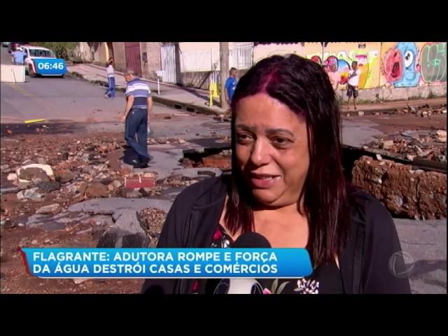 Adutora rompe e enxurrada destrói casas e comércios