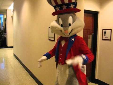 Bugs Bunny cavorting through Downtown MKE Hyatt (Feb 2007)