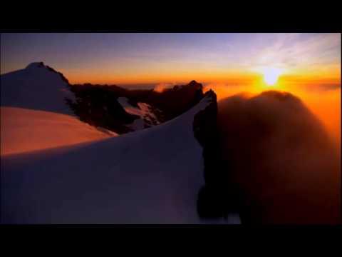 Восход. Первые лучи солнца, в горах Ак-Таш, Узбекистан