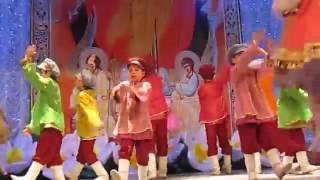 Русский народный танец Танцуют дети Смотрим!