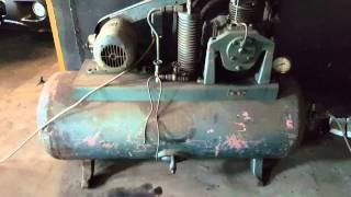 видео JAB TwinRam 35/1300 двухплунжерный подъемник