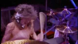 Mötley Crüe - Wild Side [Official Music Video]