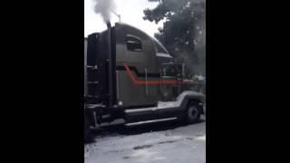 Cold start freightliner fld in Atlanta snow storm