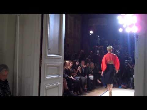 Fashion Broadcasting @ Yves Saint Laurent SS 2010/11 Paris.