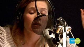 Andrea Lindsay chante: C
