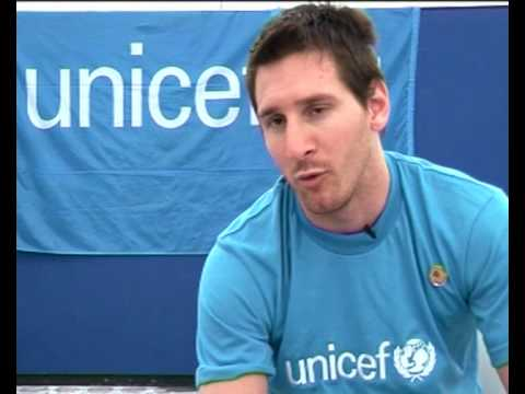 MaximsNewsNetwork: LIONEL MESSI: ARGENTINA FOOTBALL STAR in HAITI for UNICEF