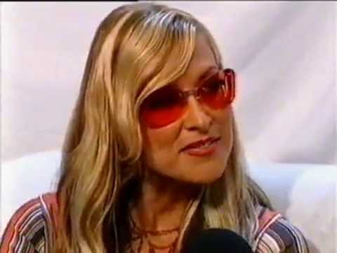 Anastacia's backstage interview at the EMAs in Barcelona