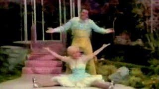 MF DOOM & MC PAUL BARMAN - HOT GUACAMOLE (FEAT. BOBBY BURGESS & CISSY KING)