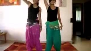 great-dance-by-2-girls---(freshmaza.com)