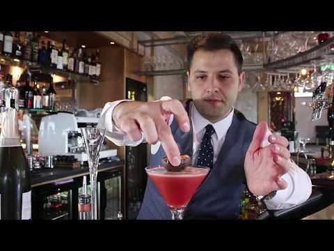 2 Minute Cocktails: Wheadon's Martini | Copenhagen Bar & Grill