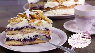Brandteig-Sahne-Torte mit Heidelbeeren | Flocken-Sahne-Torte | Rezept von Nicoles Zuckerwerk