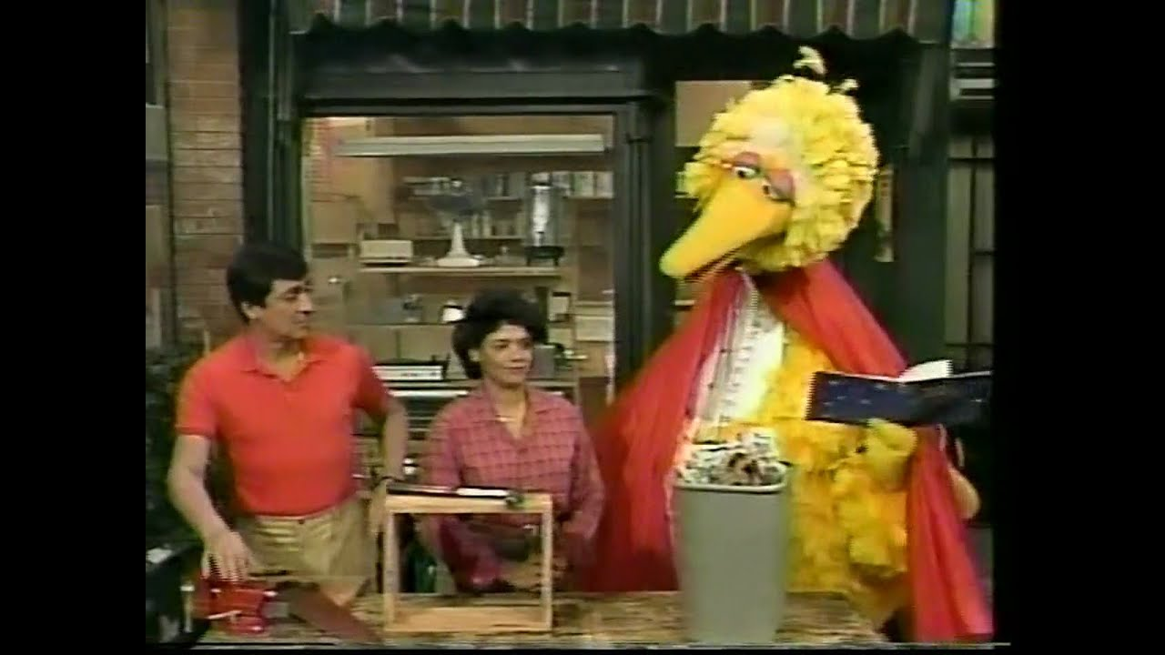 Sesame Street classica - Big Bird Practices Magic - Youtube-6440