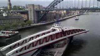 Newcastle Swing Bridge opening