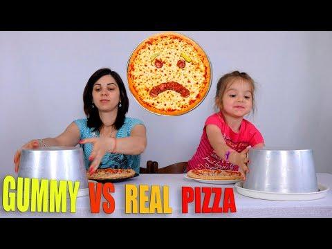 GUMMY FOOD VS REAL FOOD PIZZA CHALLENGE CIBO GOMOSO VS CIBO REALE PIZZA CHALLENGE