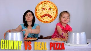GUMMY FOOD VS REAL FOOD PIZZA CHALLENGE CIBO GOMOSO VS CIBO REALE PIZZA CHALLENGE