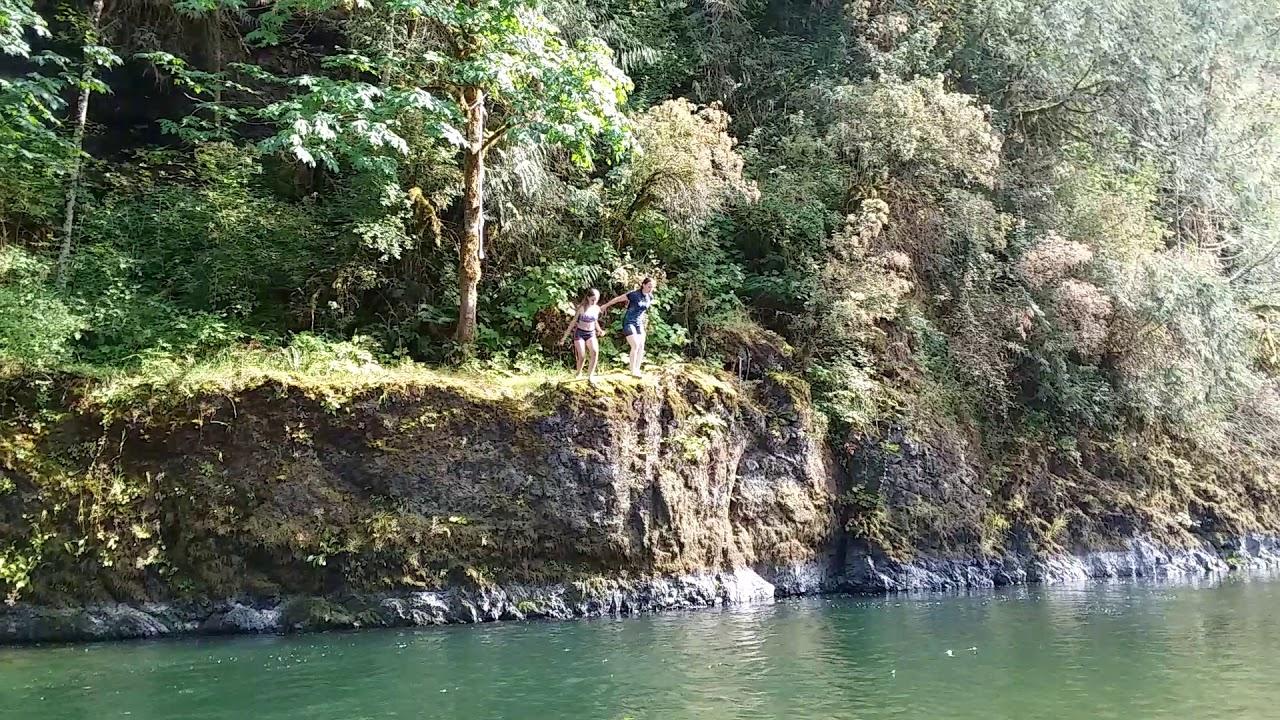 Short cliff jump - YouTube