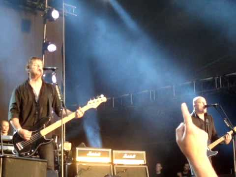 THE STRANGLERS @ BRUSSELS SUMMER FESTIVAL -12-08-12- NO MORE HEROES