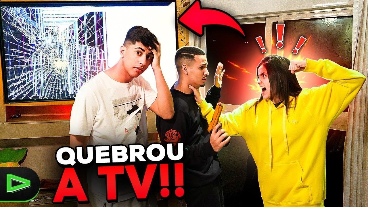 QUEBREI A TV DA BABI E ELA FICOU MUITO BRAVA!!