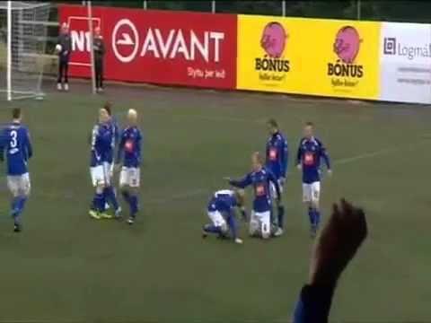 Những màn ăn mừng bàn thắng siêu hài 3